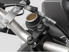Розетка прикуривателя с USB-адаптеро и креплением на руль